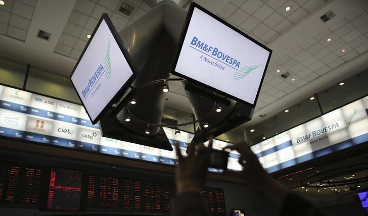 Bolsa de valores realiza lucros após índice superar 115 mil pontos