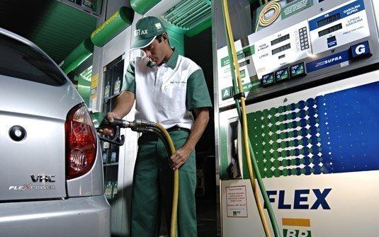 Etanol supera R$ 2 reais por litro em São Paulo