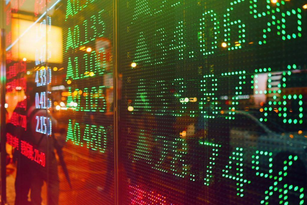 Investidores estão atentos a sinais que podem derrubar Wall Street após seguidas altas