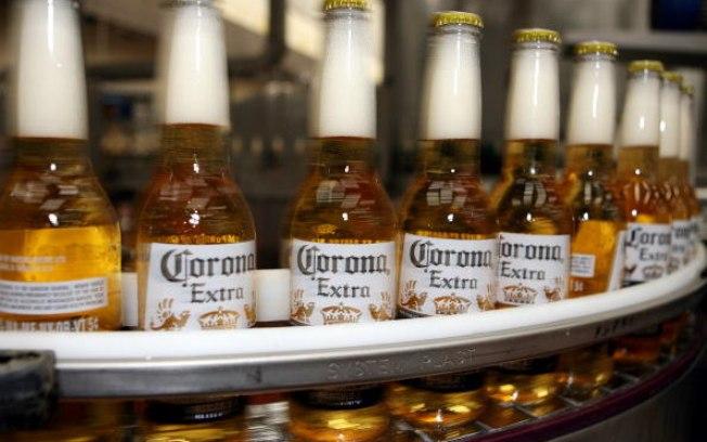 Donos da cerveja Corona diz que o surto afetou as vendas na China e afetará os lucros