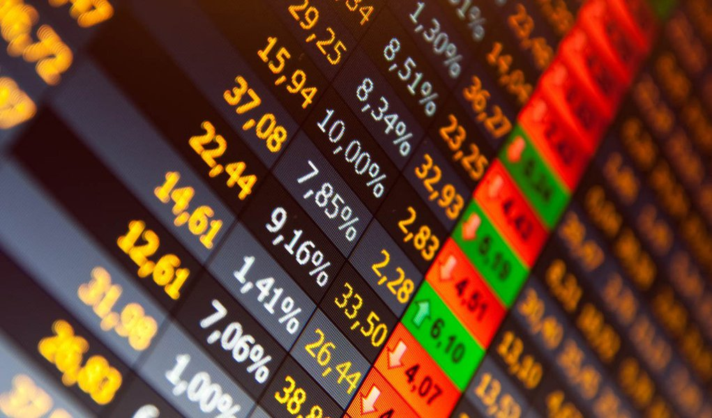Ibovespa sobe 3,9% com investidores receosos; confira as maiores altas do dia