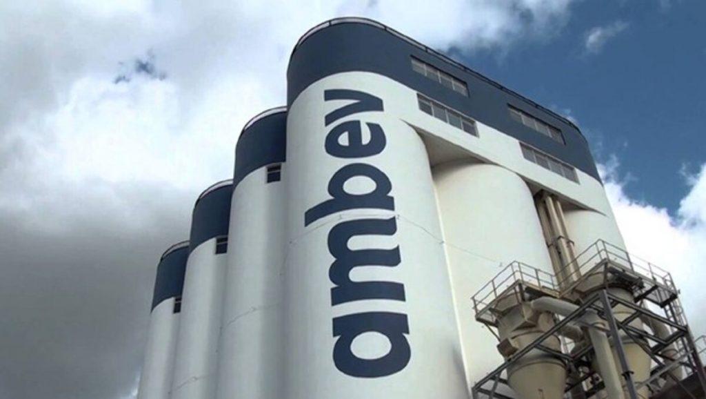 Ambev: ação fecha em alta de 3,24% nesta segunda-feira (28)